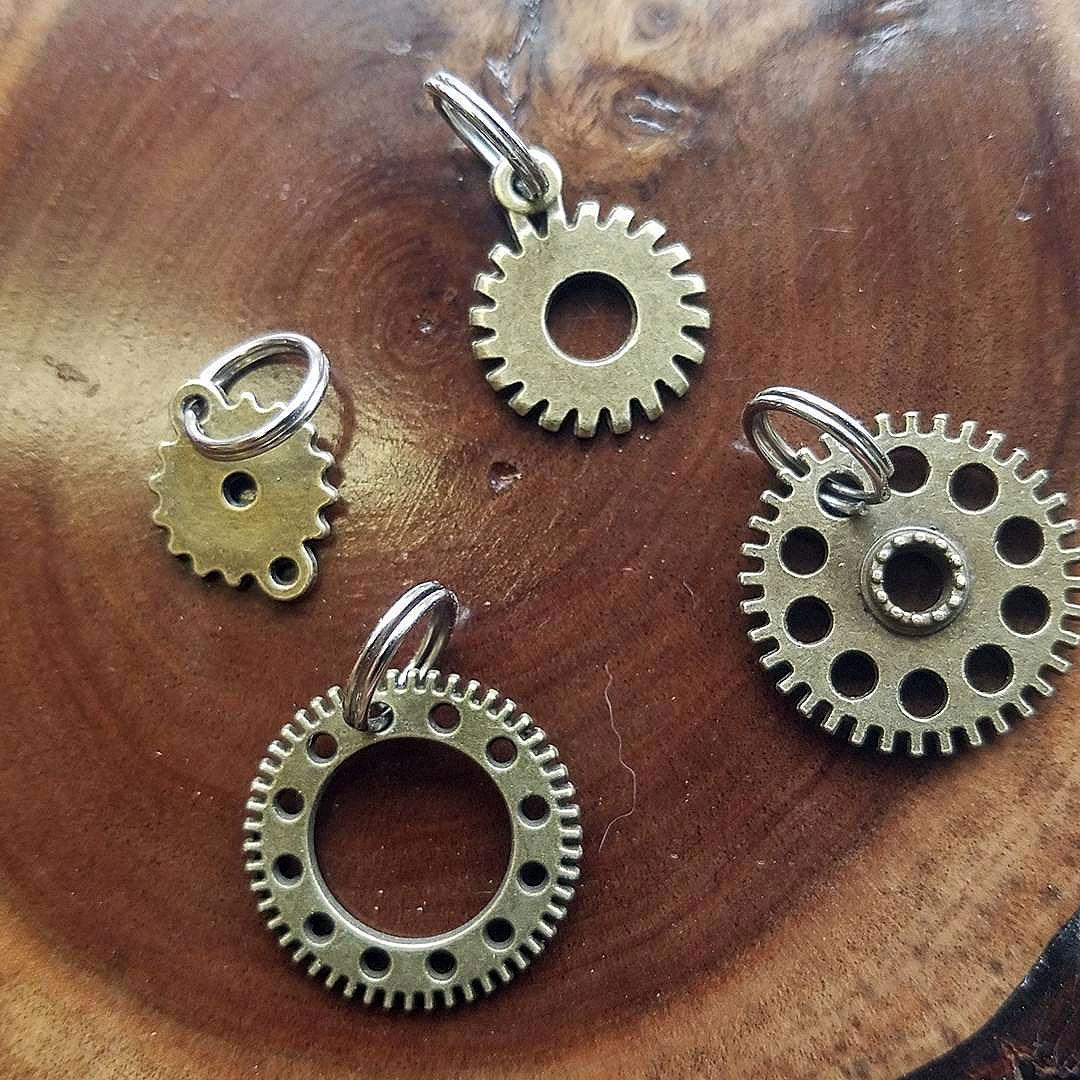 gear-pulls
