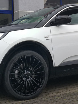 "Opel Grandland X mit 20"" Brock"