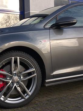 """VW Golf VII GTI mit 18"""" Alutec"""