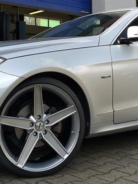 """Mercedes E-Klasse Coupe mit 20"""" Autec"""