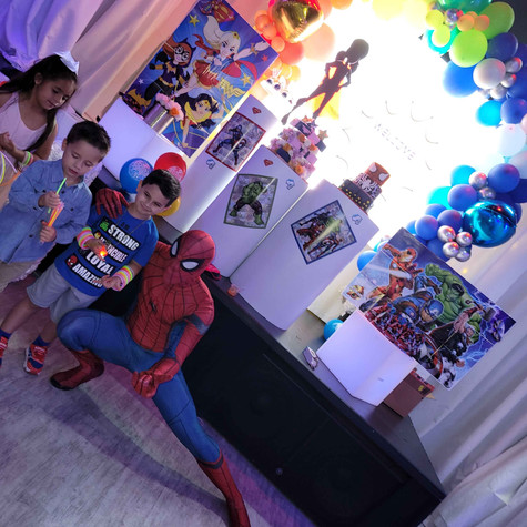 kids with spiderman at kids theme party