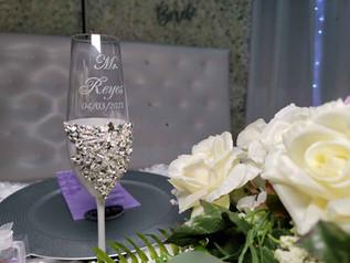 glasses decorated at wedding venue in miami