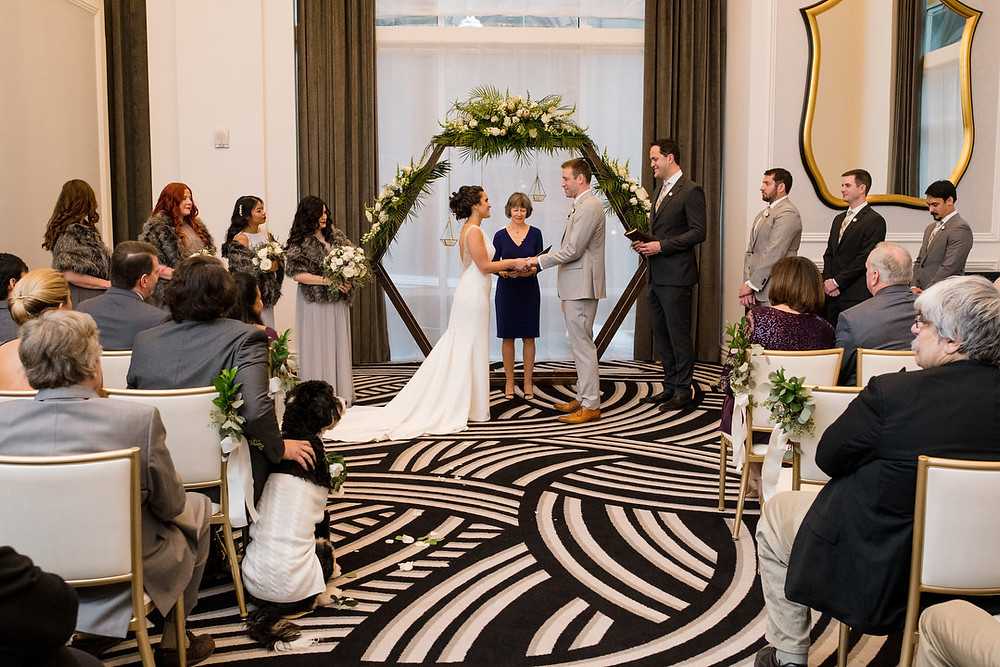 Couple-getting-married-in-Micro-Wedding