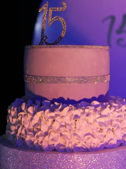 15 birthday pink cake with ondulated decoration
