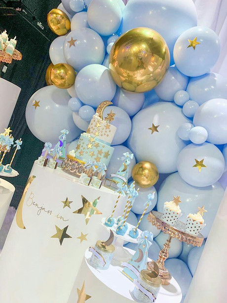 Blue and gold balloon arrangement baby shower in Kendall Miami