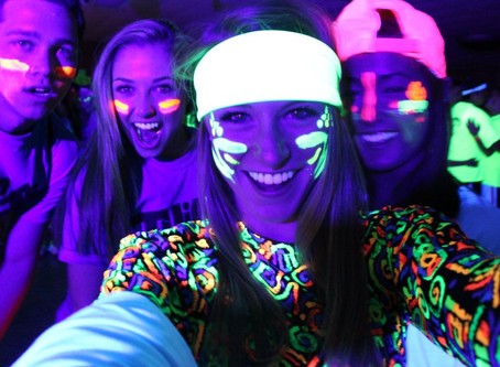 The best thematic parties are Neon 🕺