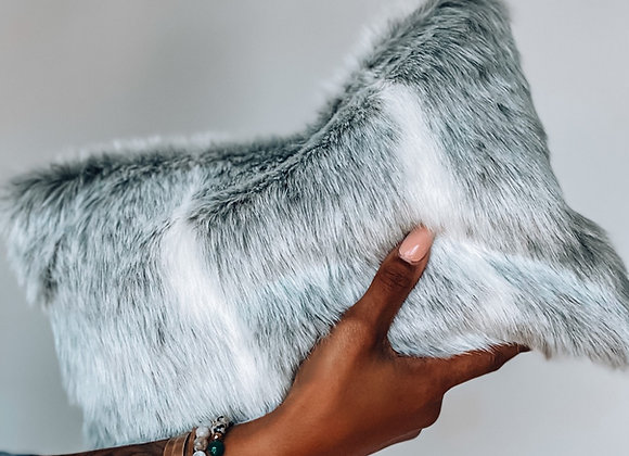 Greyscale this Fur Clutch @ruthlesssssss only