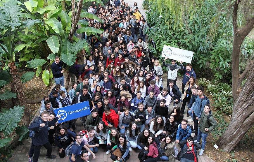 Valencia_Students-1000x640.jpeg
