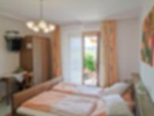 Gaestehaus_Dobida_Zimmer3_125647-web.jpg