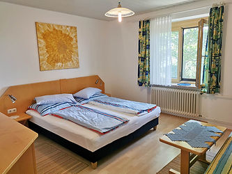 Gaestehaus_Dobida_Zimmer5_091522-web.jpg