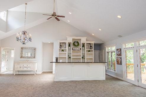 AIMED 2019-cottage-interior-bar-deck_edi