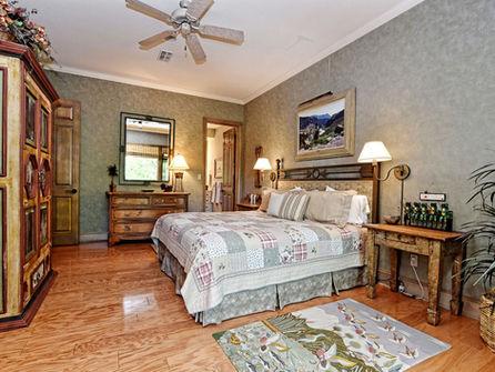 Falls_House_Interior_Bedroom3.jpg