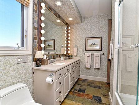 Falls_House_Interior_Bathroom.jpg