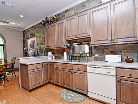 Falls_House_Interior_Kitchen2.jpg