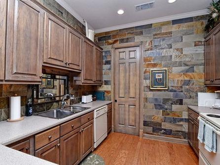 Falls_House_Interior_Kitchen.jpg