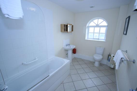 Homestead-bathroom