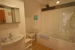 GranaryTF_Bath