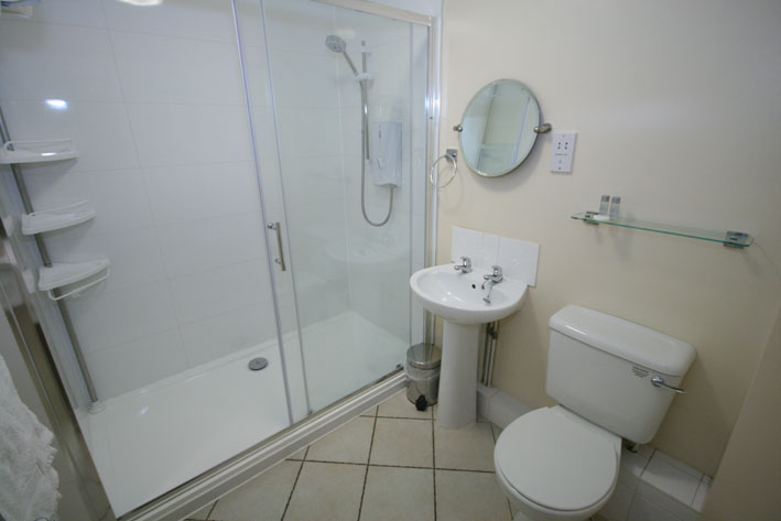 Town-End-Shower