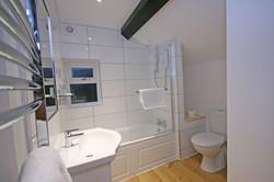 Town Farm cottage bathroom