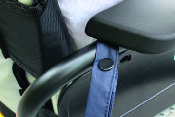 Thernal apron with practical attachment for wheelchairs
