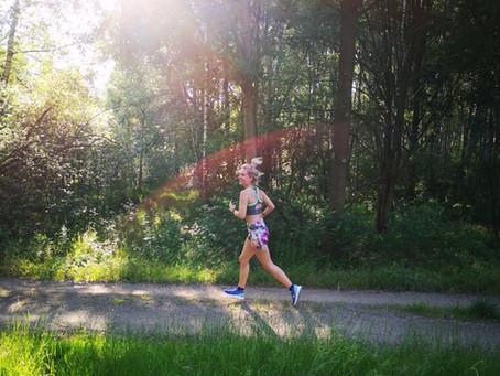 Laufen bei Hitze – Diese 8 Dinge solltest du beachten