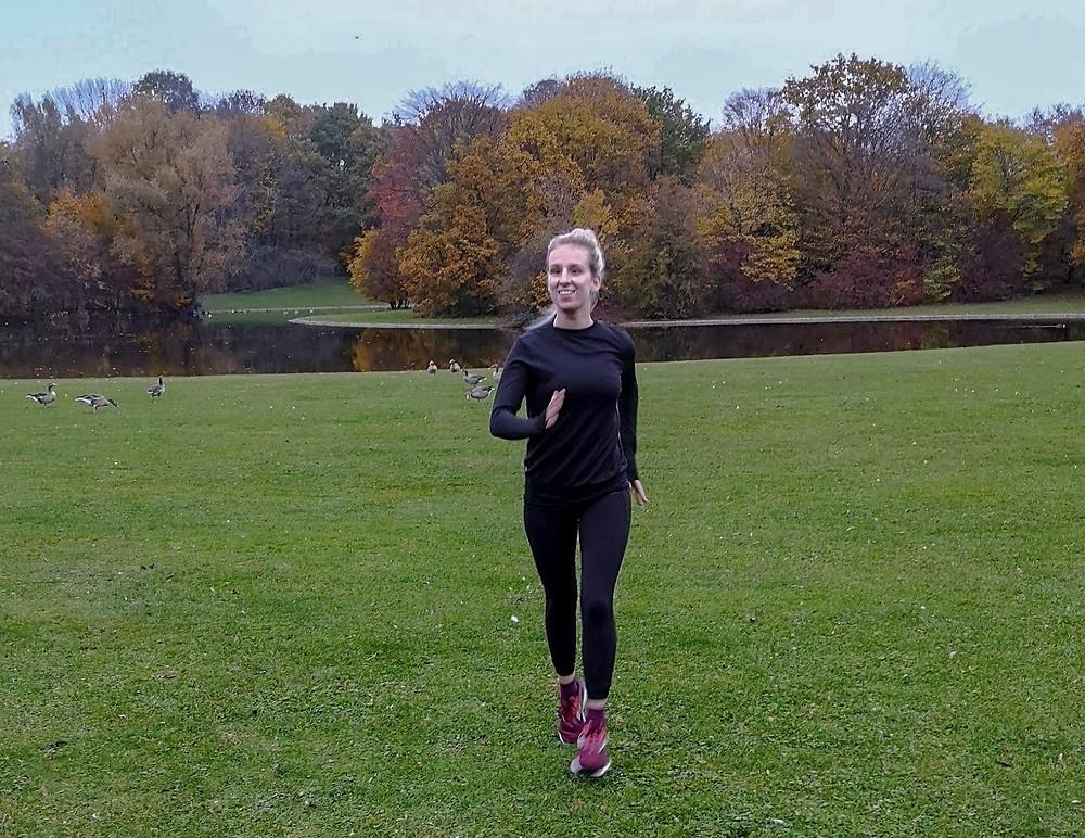 Nele bei Laufen im Park