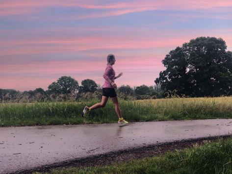 Weniger laufen, mehr genießen: Wie es sich wirklich anfühlt, den Laufumfang zu reduzieren