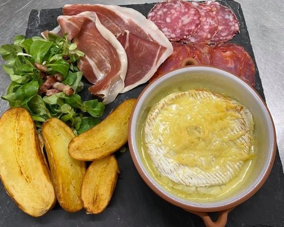 Camembert au four.jpg