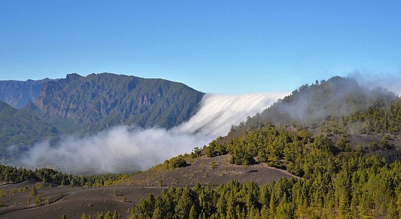 Wolkenwasserfall La Palma