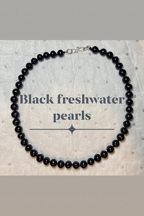 Black Peacock Pearl Necklace Set