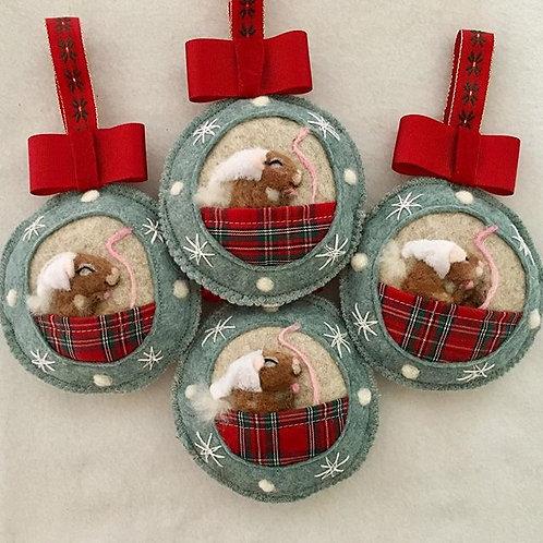 Sleeping Christmas Mice ~  personalised gift heart