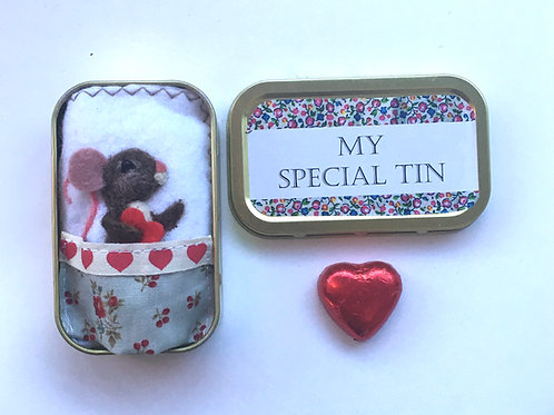 Mouse in bed  special love token tin, needle felt