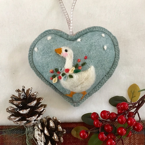 Garland Goose in the snow ~ personalised gift heart, personalized