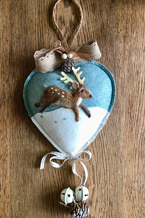Deer - Stag with cone and white berries ~ Midi size heart