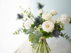鮮花(玫瑰/綠石竹/薊花)