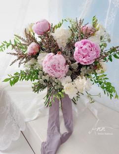 粉牡丹鮮花捧花
