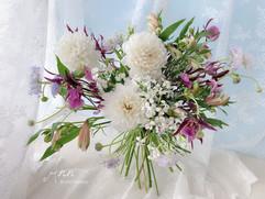 白色大里/鮮花/婚紗