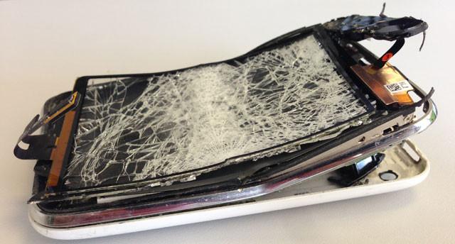 broken-iphone.jpg