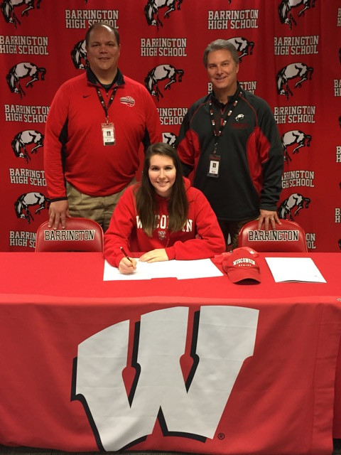 Jssica Sturgis signs her letter of intent with Wisconsin