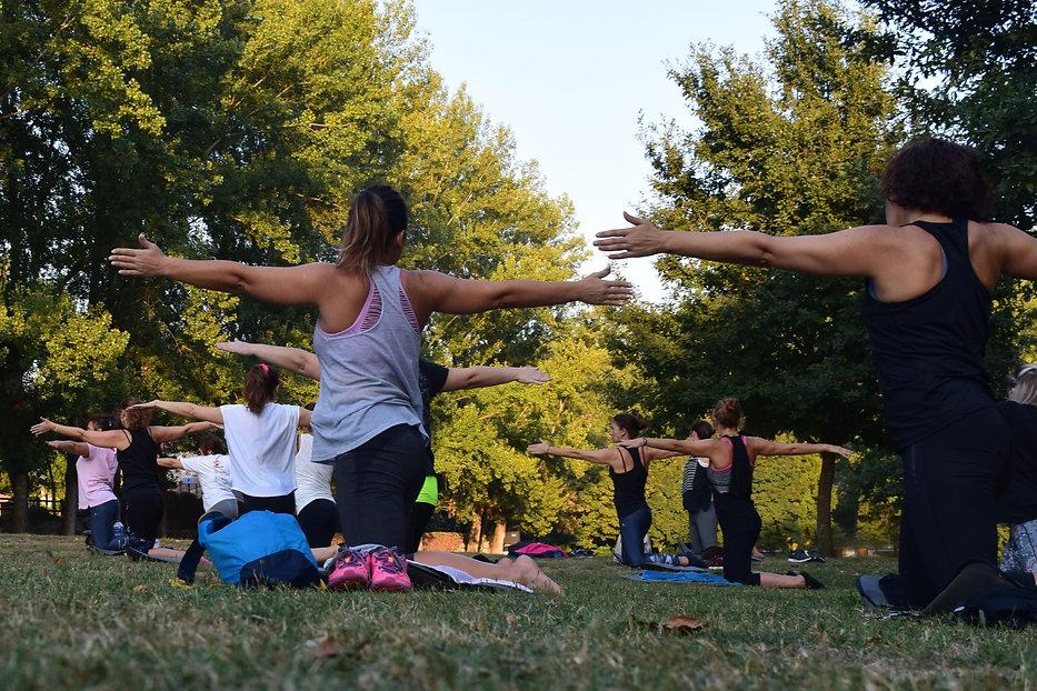 yoga en grupo_edited.jpg