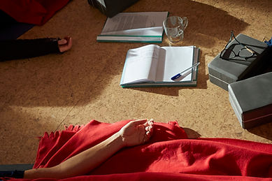 landingspagina-teachertraining-yoganidrafundamentals.jpg