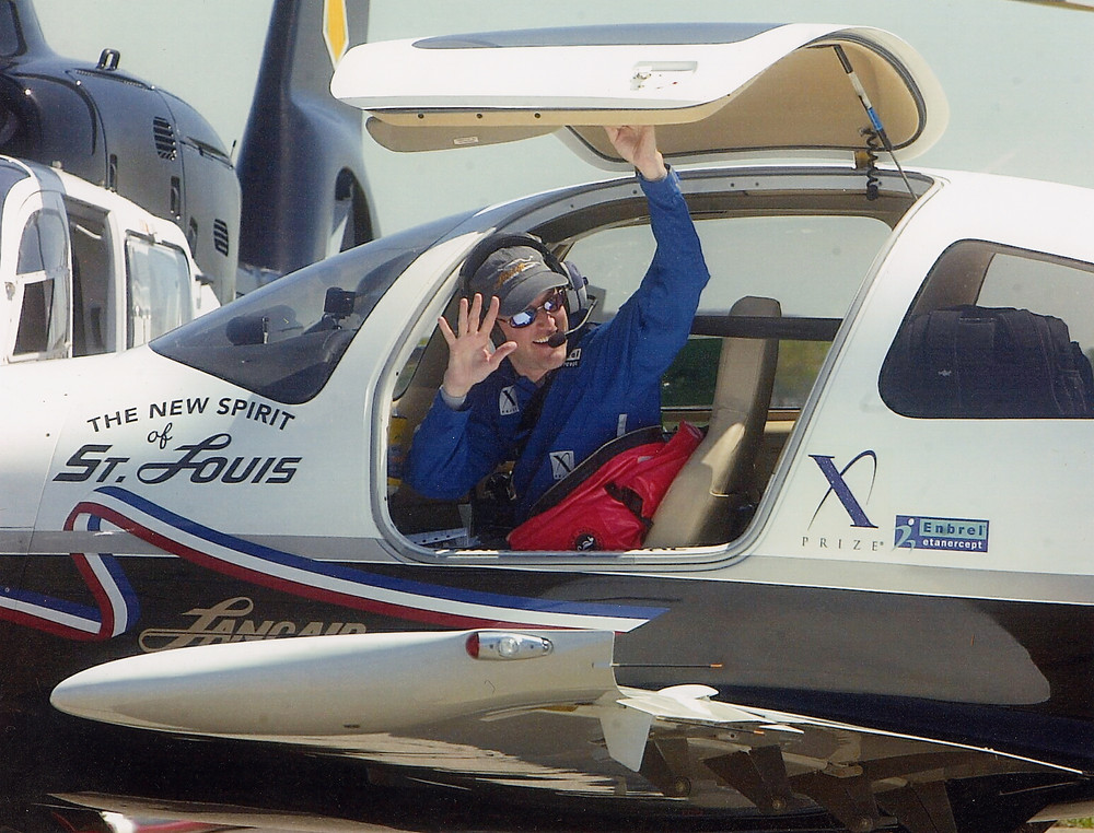 Photo of Erik Lindbergh departing NY in Lancair aircraft
