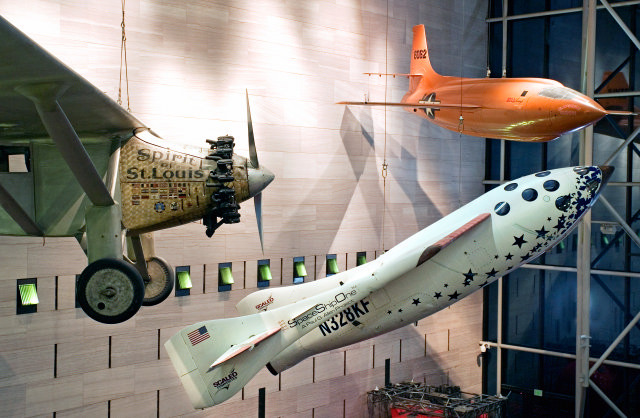 Spirit of St. Louis and SpaceShipOne on display at National Air and Space Museum
