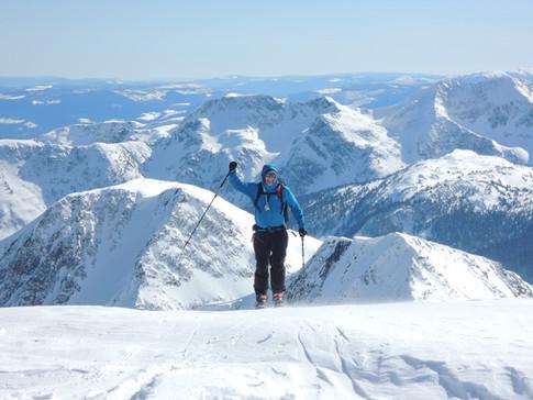 Erik approaching summit of trophy mtn.jpg