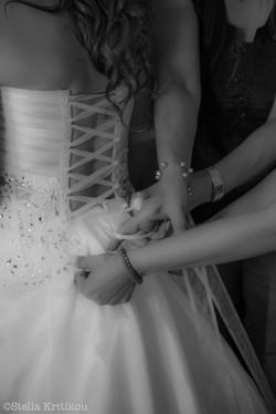 Beautiful bride in santorini