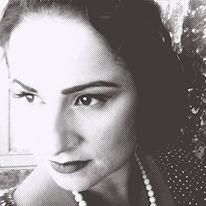 stella kritikou photographer in santorini greece