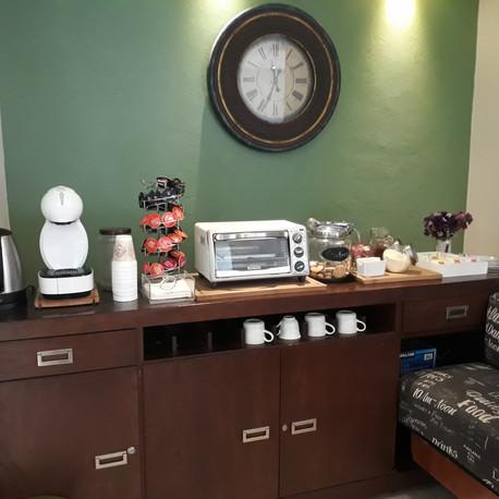 Servicio de café y té en cortesía