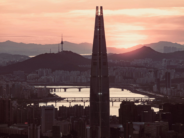 Lotte Tower and Han river in Seoul