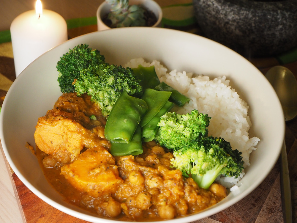 Samadhi Whole Foods Buddha Curry, servied with rice and steamed greens
