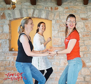 2020-Yoga & Salsa Urlaub - LOGOS-37 (Aus